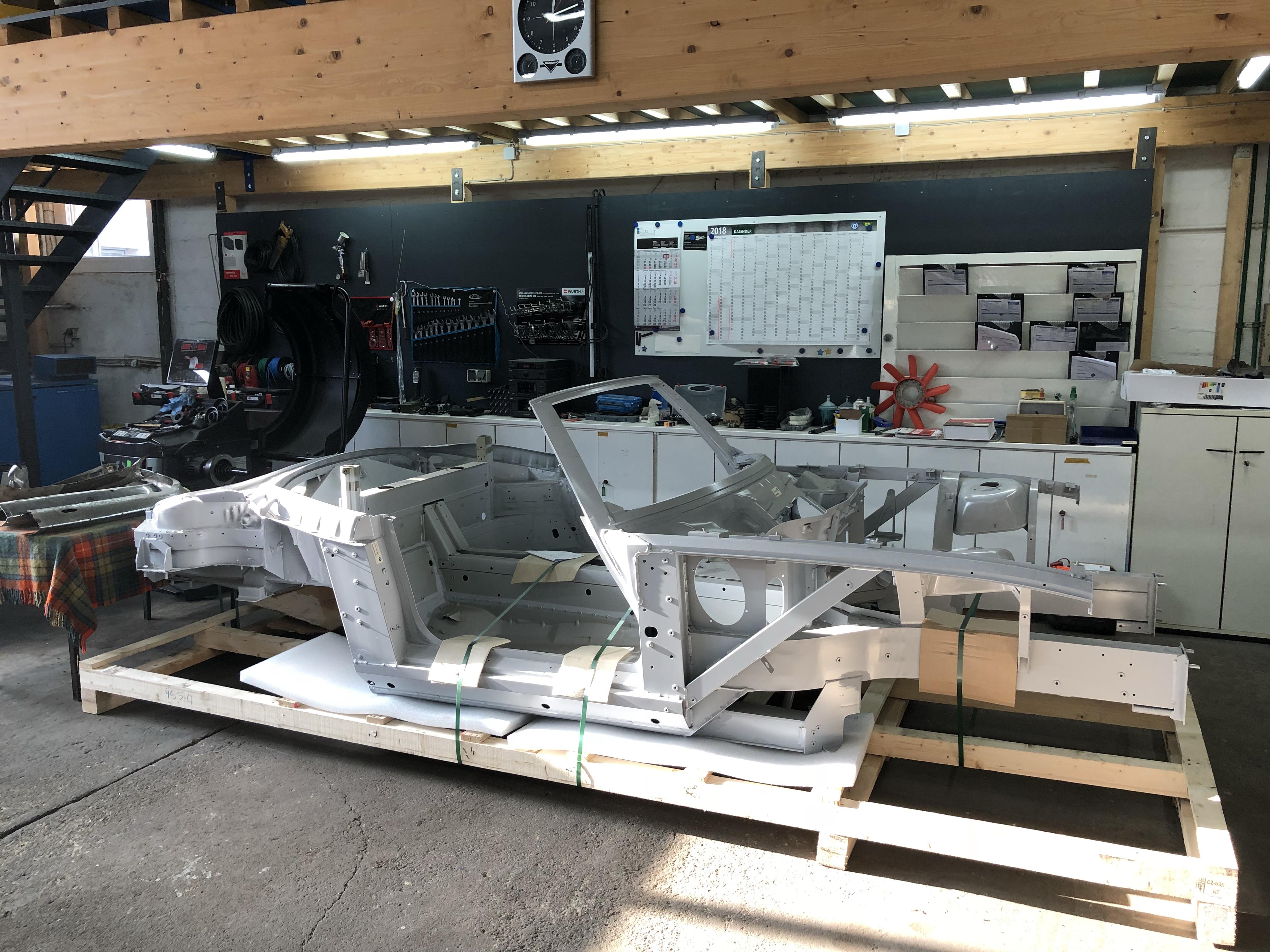 BMW Z8 Rohkarosserie neu