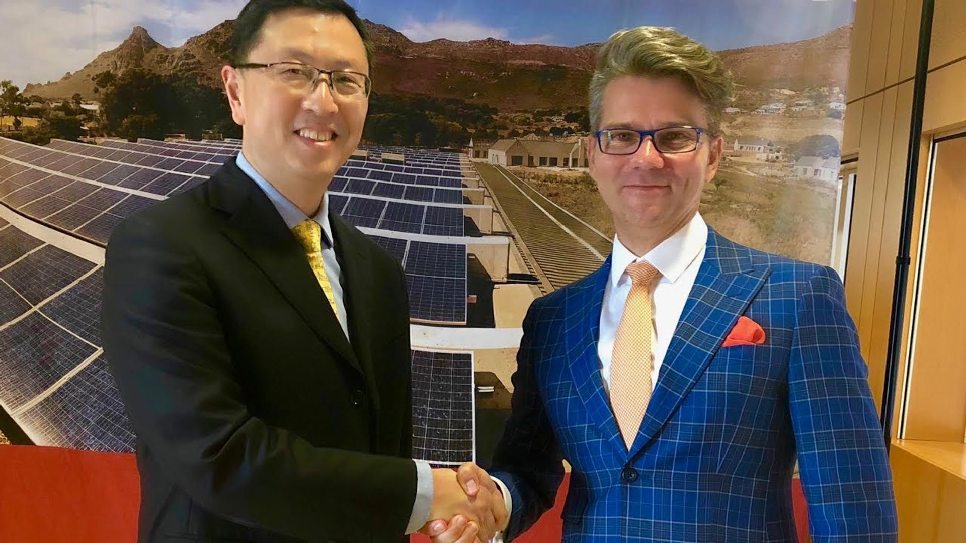 Shawn Qu, Canadian Solar's CEO on Mono vs Crystalline Technologies, Solar Lifestyle & more