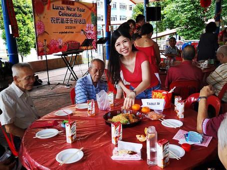 Volunteer at #apacketofrice in Jalan Bukit Merah CNY Party