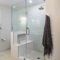 Clean, Crisp Master Bath