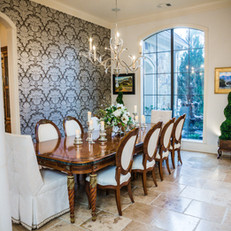 Bold Traditional Dining Room