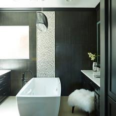 Black & White Master Bathroom