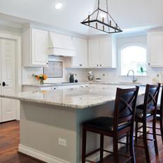Elegant Transitional Kitchen
