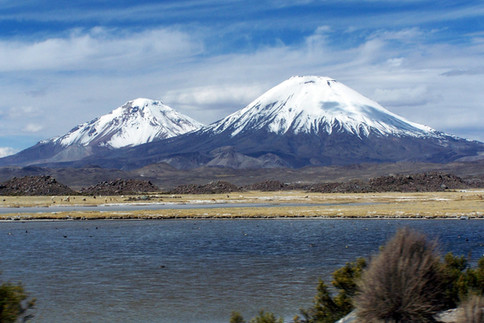 Cotacotani Lake - Parinacota and Pomerape mountains