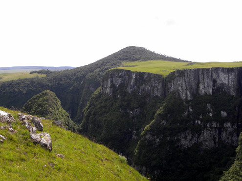 Pico e Canyon Monte Negro