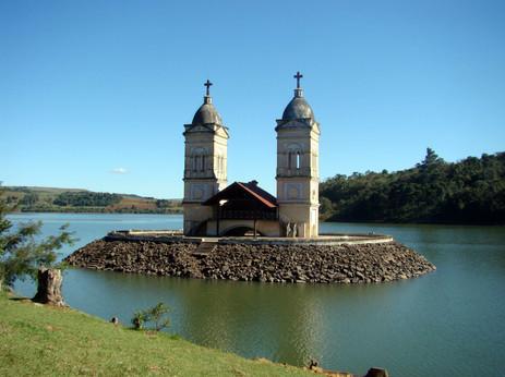 Barragem de Itá que cobriu o Estreito do Rio Uruguai