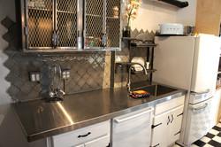 industrial retro kitchen
