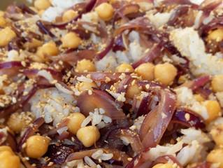 Riz et pois chiches aux oignons rouges