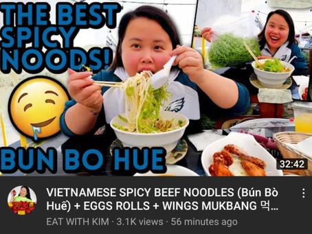 Kim Thai visits Hue Oi