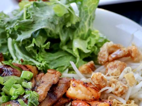 Mi Kho Hue Oi aka Dry Egg Noods