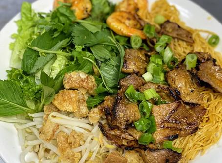 Mi Kho Hue Oi aka Dry Egg Noodles