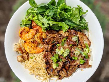 New Dish!  Mi Kho Hue Oi