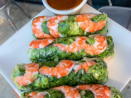 """Be """"ON A ROLL"""" with these FRESH and HEALTHY Spring Rolls!"""