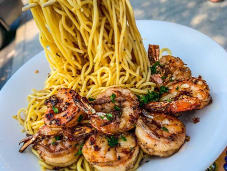 Garlic Noodles with Jumbo Shrimp 🍤at Hue Oi 😋