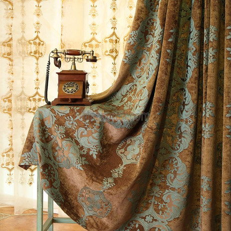 Country-style-window-curtains-in-chenill