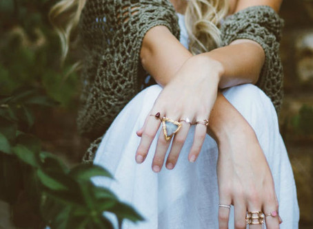 Perhiasan Anda Meninggalkan Noda di Kulit? Ini Penyebab dan Cara Mengatasinya