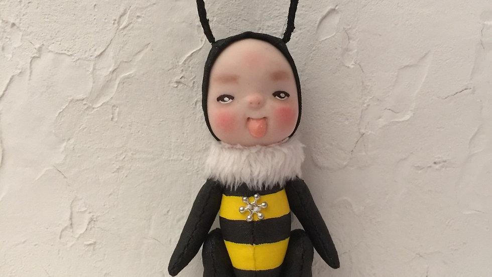 Naughty bee A
