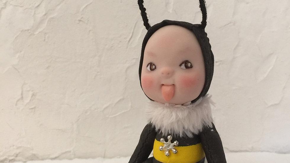 Naughty bee D