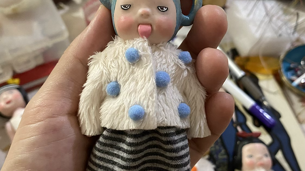 Handmade teopot girl
