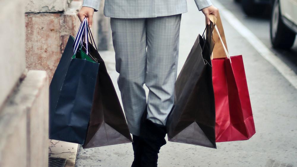 Shopping bags branding