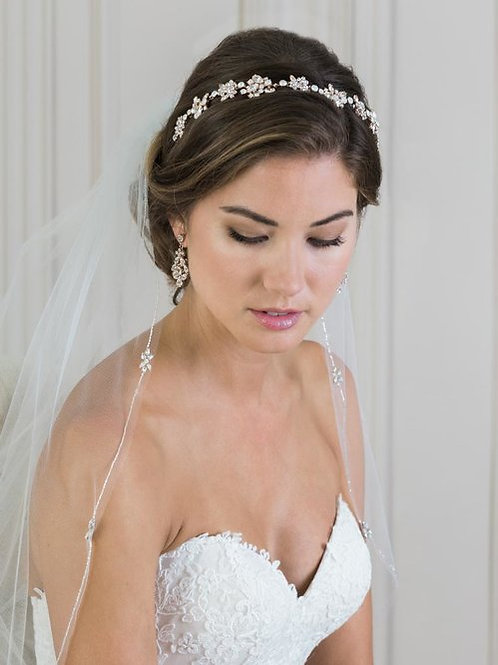 1-Tier Fingertip Veil with Silver Bead Edge - BAV7374
