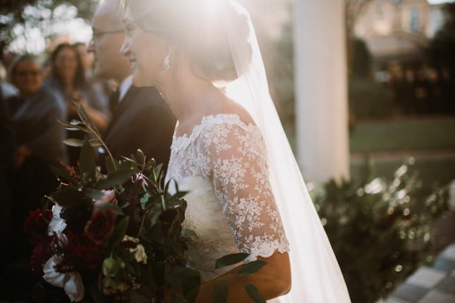 Veil or No Veil? | A Bride's Dilemma