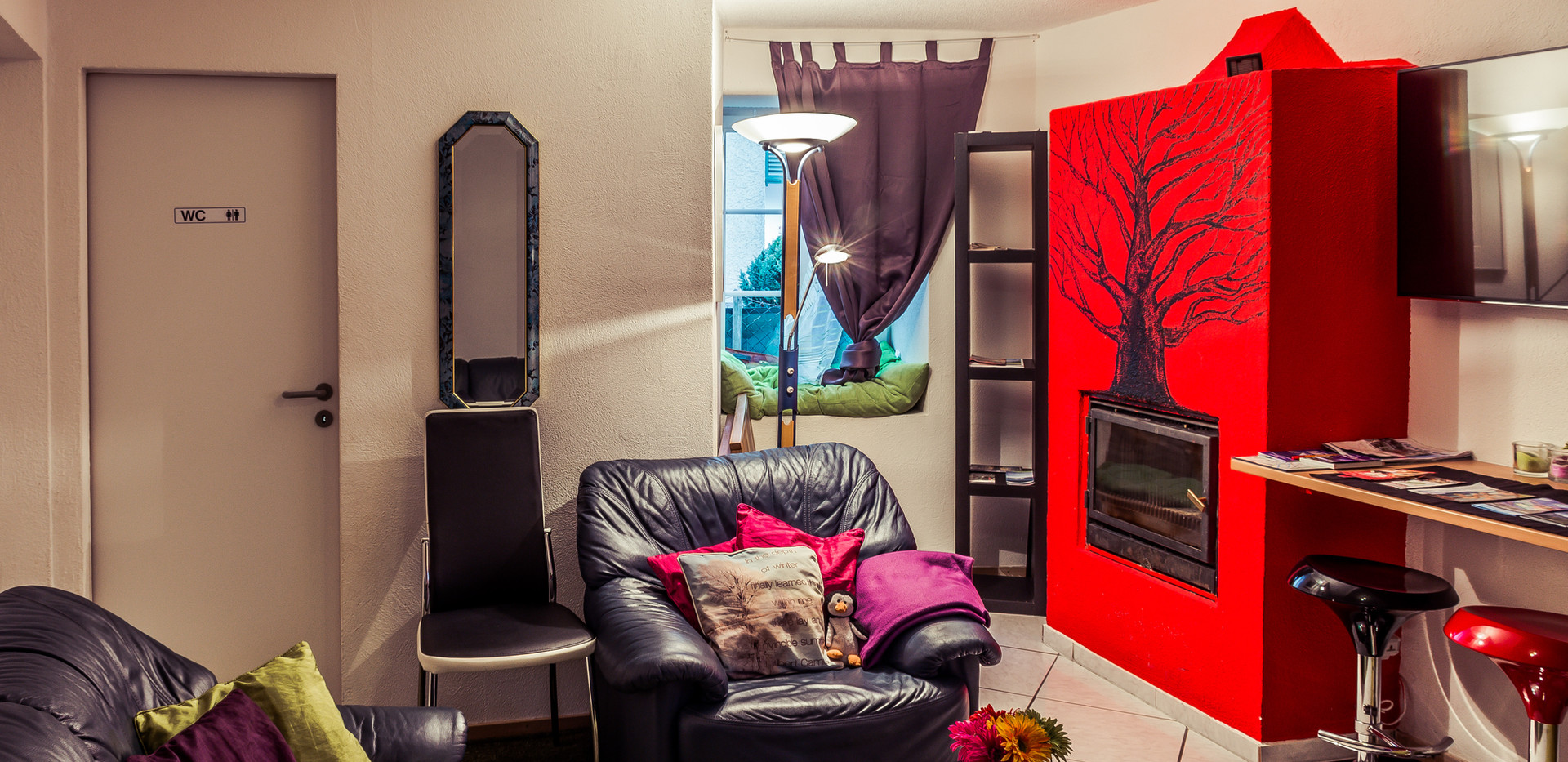 Red fire place-5.jpg