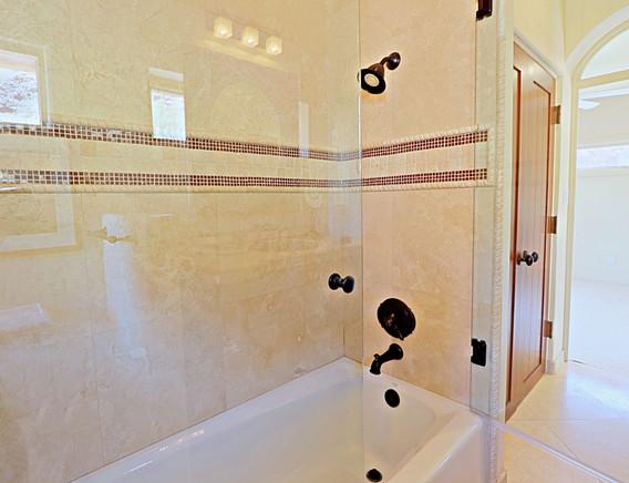 Guest Quarters Bath 4.jpg