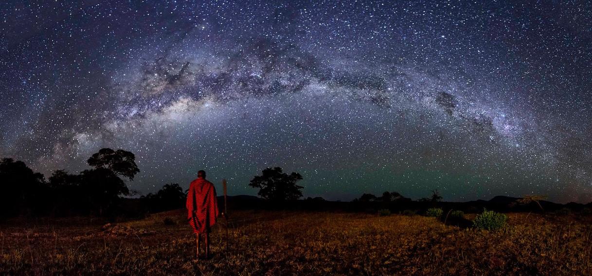 THE GUARDIAN OF THE NIGHT – Fernando Morales Roca