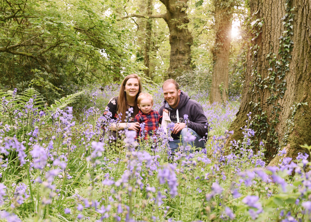 Family photoshoot in the Bluebell woods