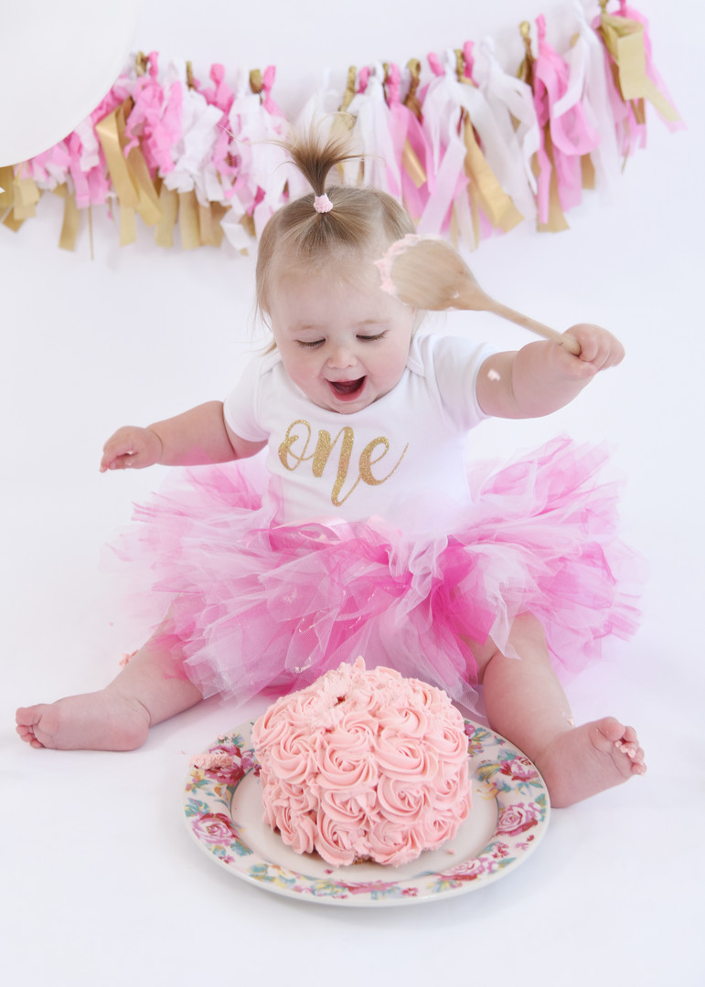 Cake smash in Pink and Gold