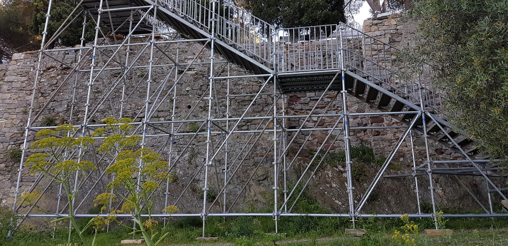 Escalier de secours Ville Noailles 83