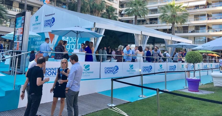 Chapiteau plancher Lions à Cannes.jpg