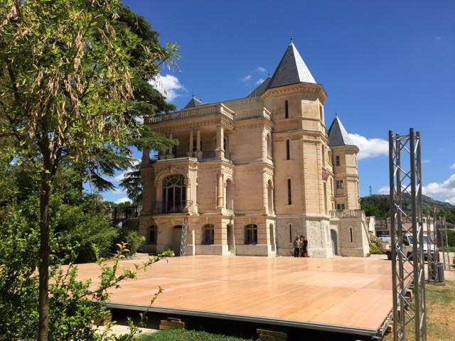 Plancher Chateau de la Buzine
