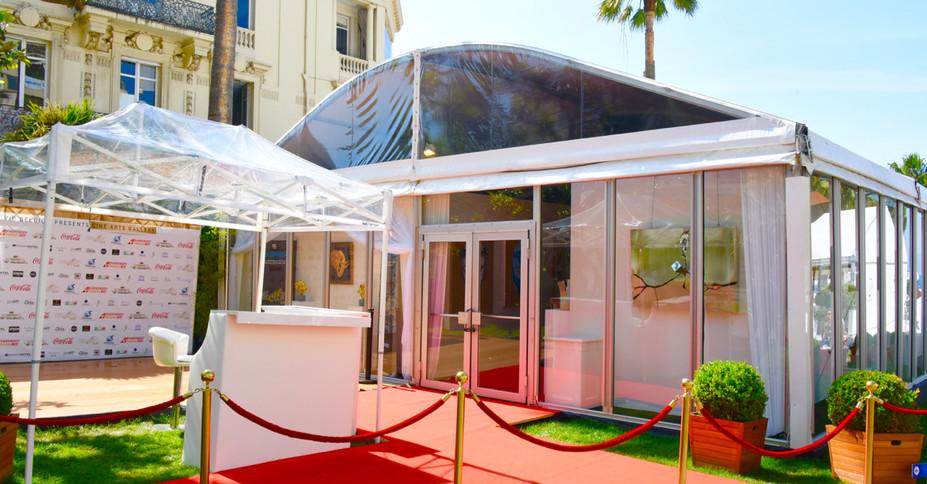 Chapiteau cintré bardage vitré Cannes