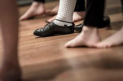 dancers-feet-shoes