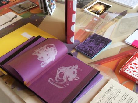 éditions d'artistes à Arles se livre