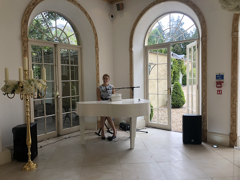 Book Wedding Pianist Surrey, Essex, Sussex Hedfordshire and London