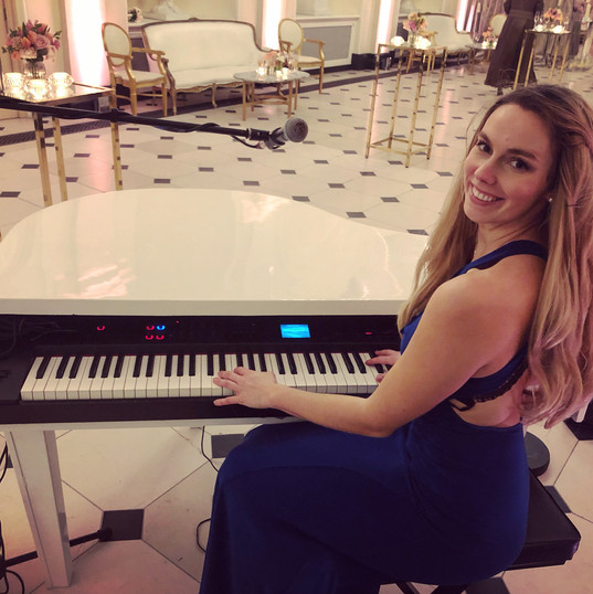 Hire Singing Pianist UK