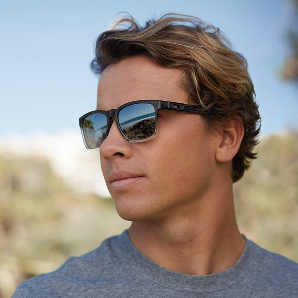Oakley Male 2