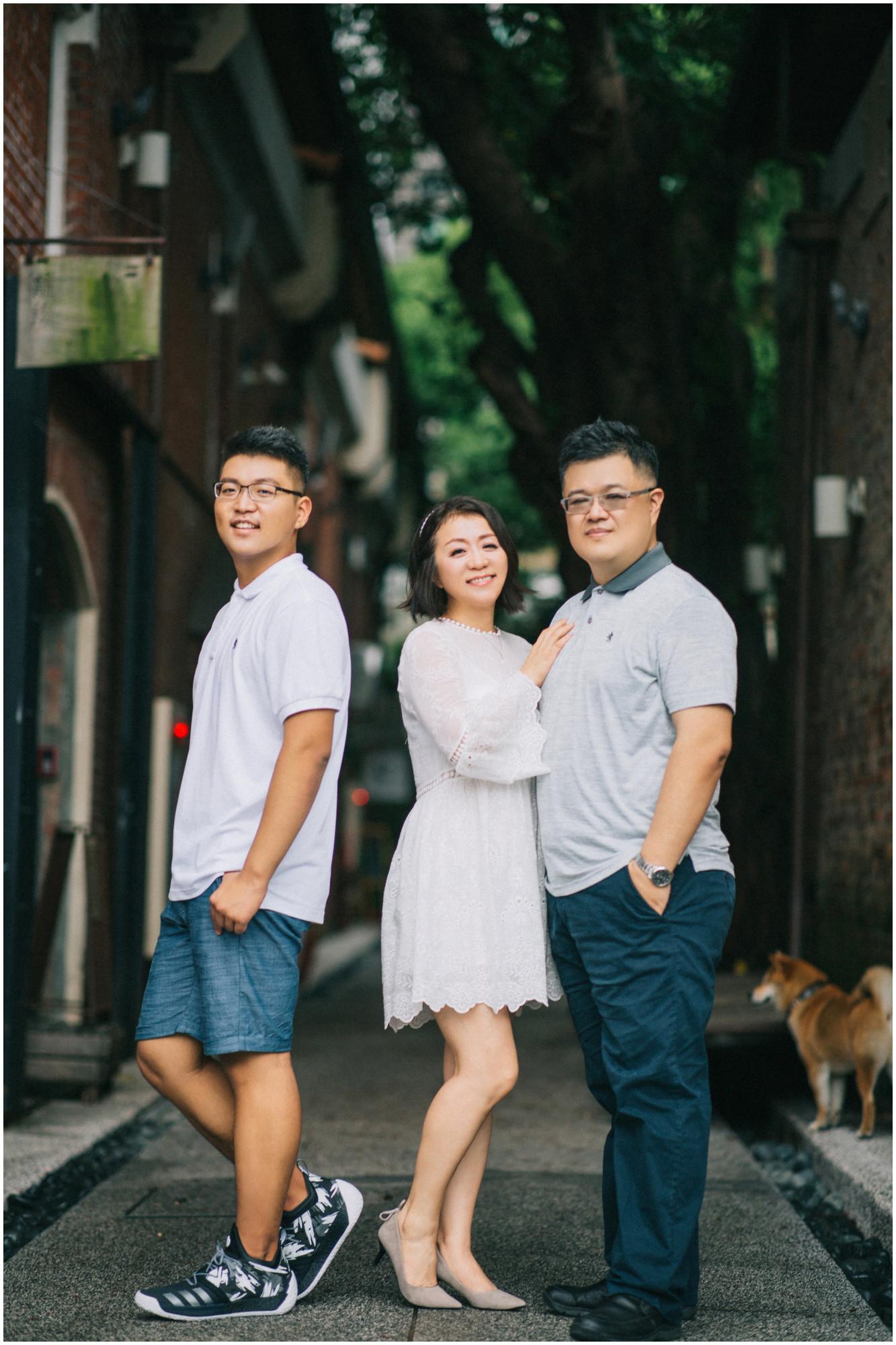 親子寫真 / 華山藝文特區 / 寵物寫真 / 親子婚紗 / 全家福 / 素人寫真