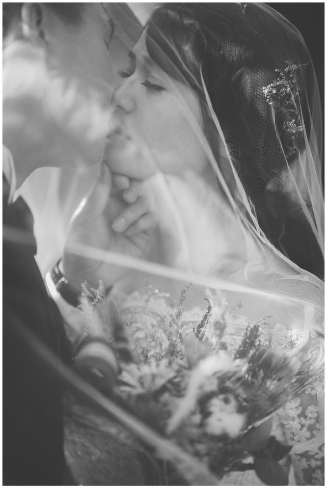 怡君 / 華山藝文特區 / 寵物婚紗 / 寵物寫真 / 自然捲棚拍 / 板橋婚紗攝影 / 素人寫真