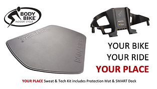 YOUR PLACE Sweat & Tech Kit