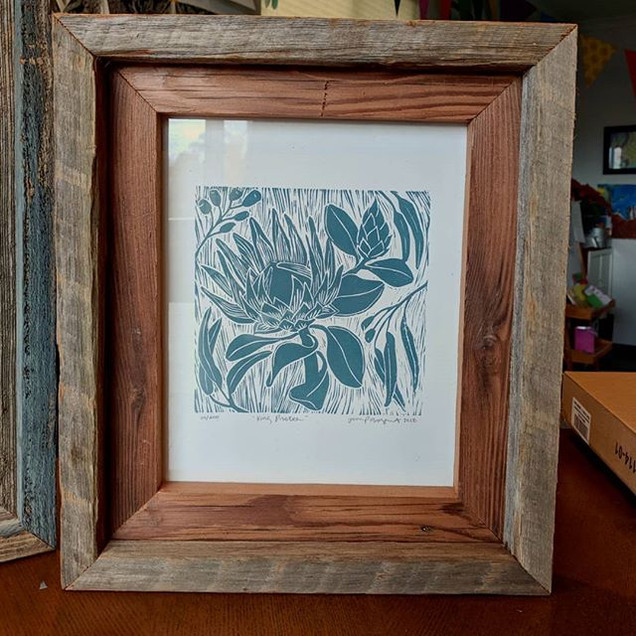 Reclaimed wood frames in two tones 👌_Re