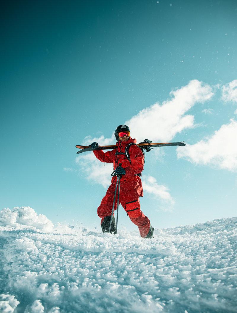 MATT-Winter-Peak-Performance-Mann-Schnee
