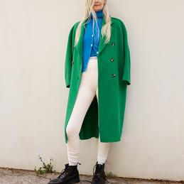 MATT-Winter-AV-Woman-green-Jacket.jpg