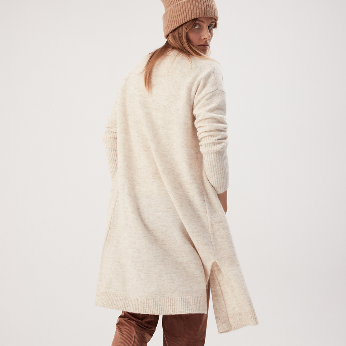 MATT-Winter-Dima-opus-Woman-Wool-Cardiga