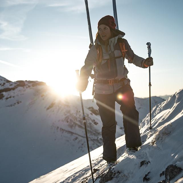 MATT-Winter-SCOTT-Woman-Skitouring.jpg