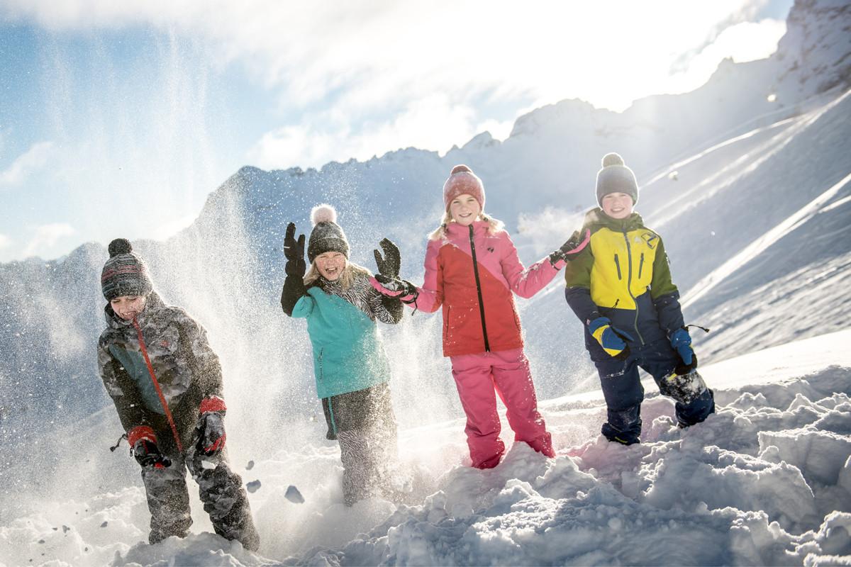 MATT-Winter-Ziener-Kids-Schneeballschlac