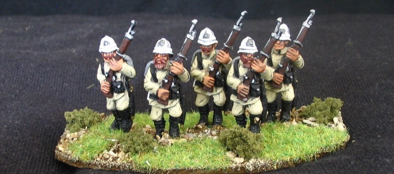 GC15 German Infantry [Later colonial]  Sunhelmet and puttees - high port